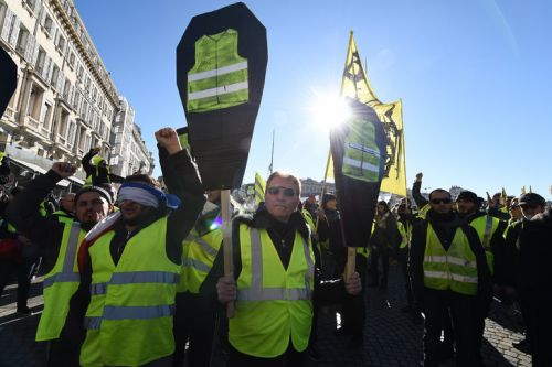 "Whatsapp, Facebook, fake news: les administrateurs, petites mains 2.0 des ""gilets jaunes"""