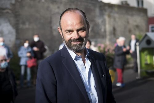 Edouard Philippe a 50 ans : famille, secrets, passions folles et barbe sexy