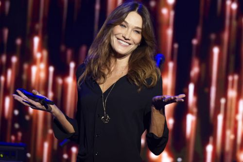 Carla Bruni-Sarkozy : coming-out, peurs, secrets de beauté et tue-l'amour