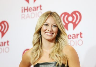 Hilary Duff opte pour une nouvelle coloration:  le blue cotton candy