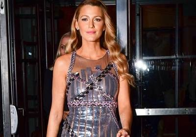 Blake Lively:  elle se transforme en pin-up et elle est sublime !