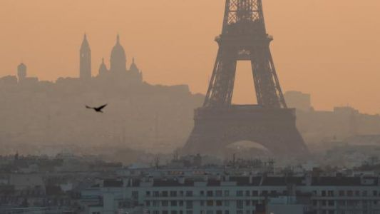 Pollution:  Paris étouffe à cause du beau temps